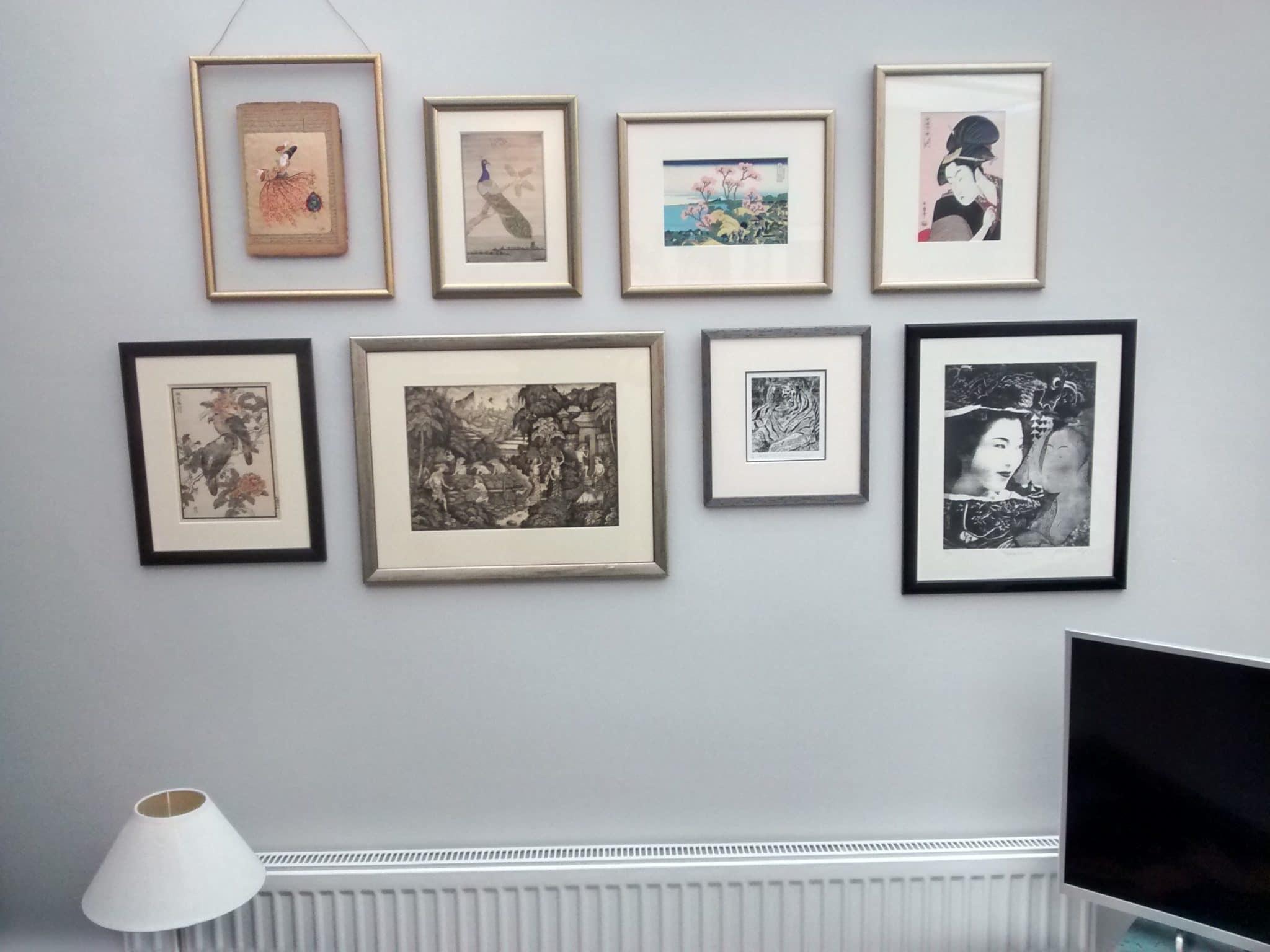Arranging photos on a wall - Lewisham Arranging Around A Horizontal Central Line Hang